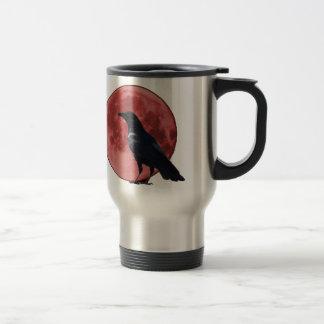 Lune de sang avec la corneille mug de voyage