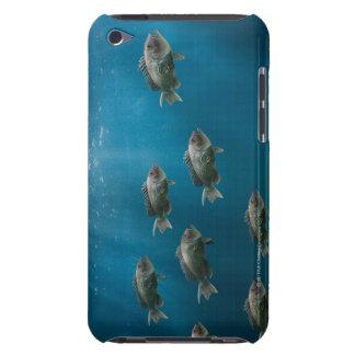 L'une Mer Noire basse menant une école Étui Barely There iPod