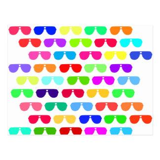 Lunettes de soleil colorées lumineuses d'été carte postale
