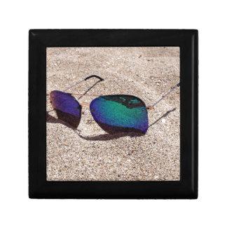 Lunettes de soleil petite boîte à bijoux carrée