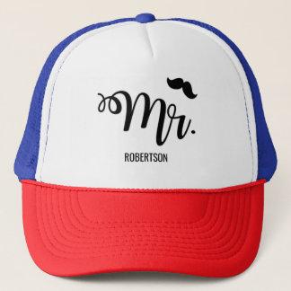M. avec un casquette de camionneur de moustache