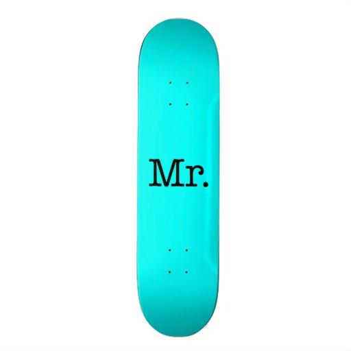 M. bleu et noir au néon citation d'anniversaire de planches à roulettes customisées