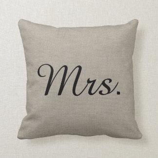 M. et Mme rustiques Cute Wedding Keepsake Coussin Décoratif