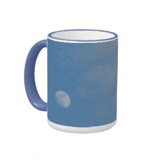 Ma lune de jour - tasse bleue de sonnerie