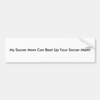 Ma maman du football peut battre votre maman du fo autocollant pour voiture