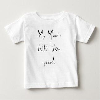 Ma maman plus chaude que le vôtre ! t-shirt pour bébé