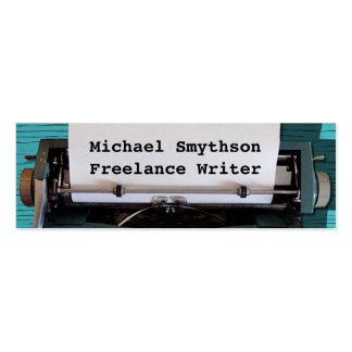 Machine à écrire d'auteur d'auteur rétro sur le carte de visite petit format