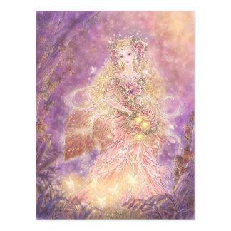 Madame de la carte postale de forêt