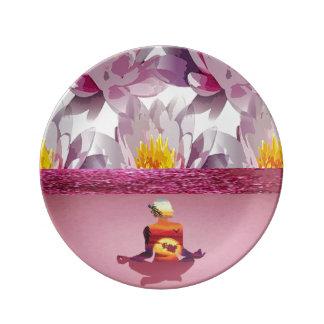Madame de méditation de fleurs de Lotus Assiette En Porcelaine