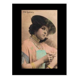 Madame de tabagisme victorienne Postcard Carte Postale