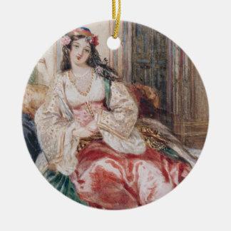 Madame Seated dans un tabouret Turki de port Ornement Rond En Céramique