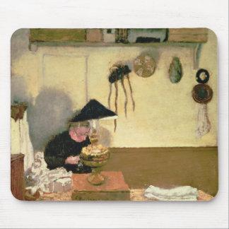 Madame Vuillard Sewing Tapis De Souris