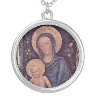 Madonna et collier d'enfant