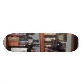 Magasin de bouteilles en général skateboards customisés