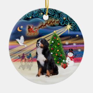 Magie de Noël - chien de montagne de Bernese 2 Ornement Rond En Céramique