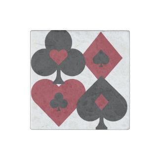 Magnet En Pierre Costumes rouges et noirs de paquet de cartes de