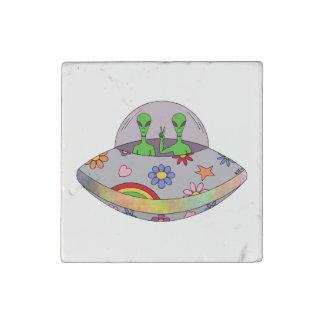 Magnet En Pierre Ils viennent dans l'UFO de paix
