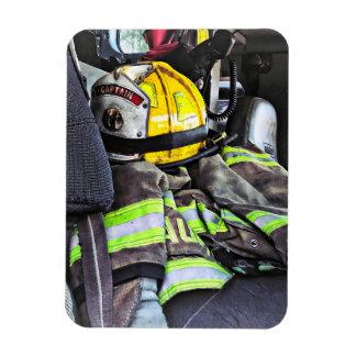 Magnet Flexible Casque jaune du feu dans le camion de pompiers