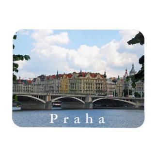 Magnet Flexible Prague. Vue du remblai de la rivière de Vltava