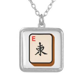 Mahjong est pendentif carré