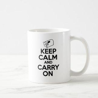 Mailcarrier gardent le calme et continuent mug
