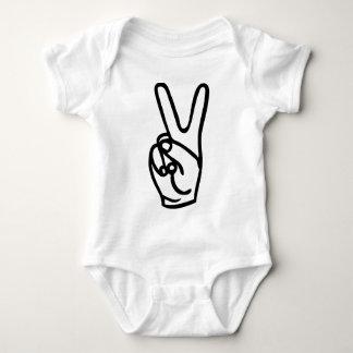 main de paix - aucune guerre t-shirts