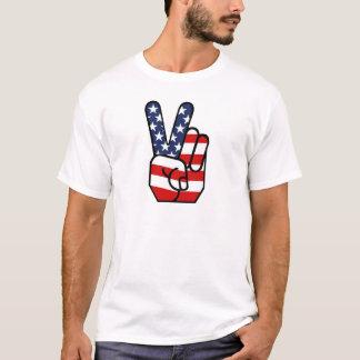 Main de paix de drapeau américain t-shirt