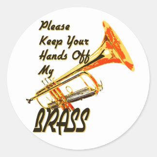 Main outre de ma trompette en laiton autocollant rond