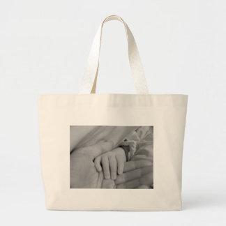 Mains affectueuses sac