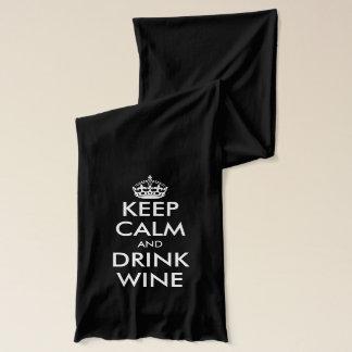 Maintenez écharpe calme et de boissons de vin pour