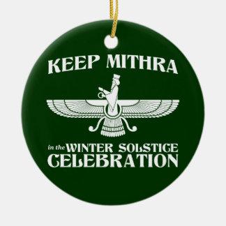 Maintenez Mithra dans la célébration de solstice Ornement Rond En Céramique