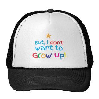 Mais, je ne veux pas grandir ! bébé mignon de fami casquette
