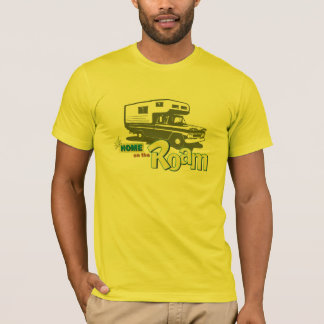 Maison sur le rétro camion rv de campeur de t-shirt