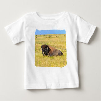 Maison sur le T-shirt de gamme