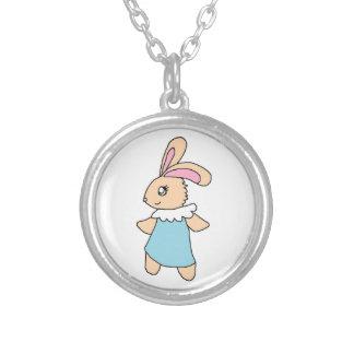 Maisy le lapin collier