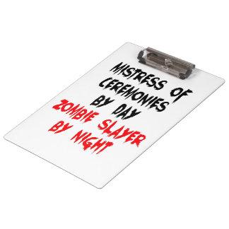 Maîtresse de plaisanterie de zombi de cérémonies porte-bloc