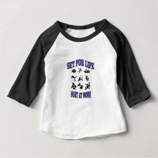 mal au travail réglé pendant la vie t-shirt pour bébé