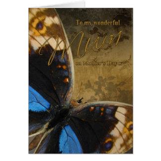 Maman, carte du jour de mère avec des papillons