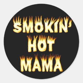Maman chaude de Smokin Sticker Rond