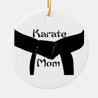 Maman de karaté de ceinture noire d'arts martiaux ornement rond en céramique