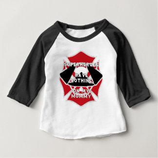 Maman de sapeur-pompier t-shirt pour bébé