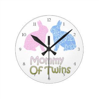 Maman jumelle horloge ronde