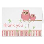 Maman Owl et hibou de bébé dans le Merci rose Carte De Vœux