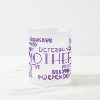 Mamans féminines modernes et mères chics et élégan mug à café