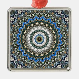 Mandala coloré fleuri ornement carré argenté