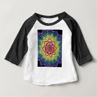 Mandala d'arc-en-ciel t-shirt pour bébé