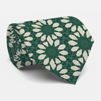 Mandala. de feuille verte et argentée de cravate