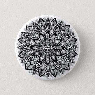 Mandala de fleur noir et blanc badge