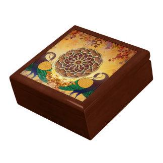 Mandala de la boîte-cadeau de deux paons grande boîte à bijoux carrée