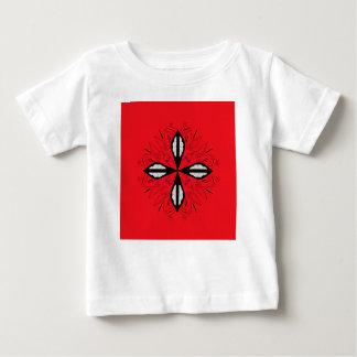 Mandala rouge de luxe d'ornement t-shirt pour bébé
